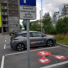 Smart parking and mobility hubs